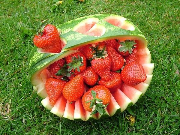 Арбуз это ягода, фрукт или овощ?!