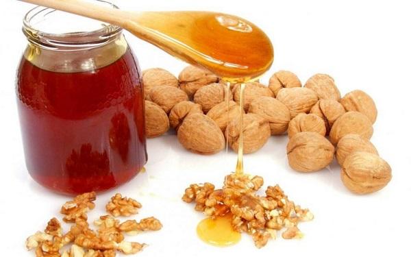 Клюква мед и грецкие орехи
