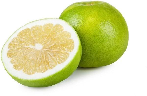 Фрукт зеленого цвета похожий на грейпфрут