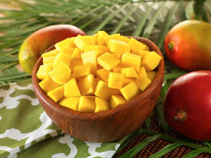 Как порезать манго дома
