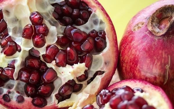 Гранат фрукт или ягода