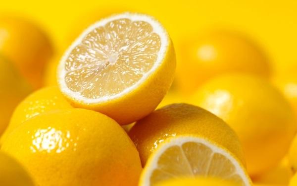 С цитрусовым плодом