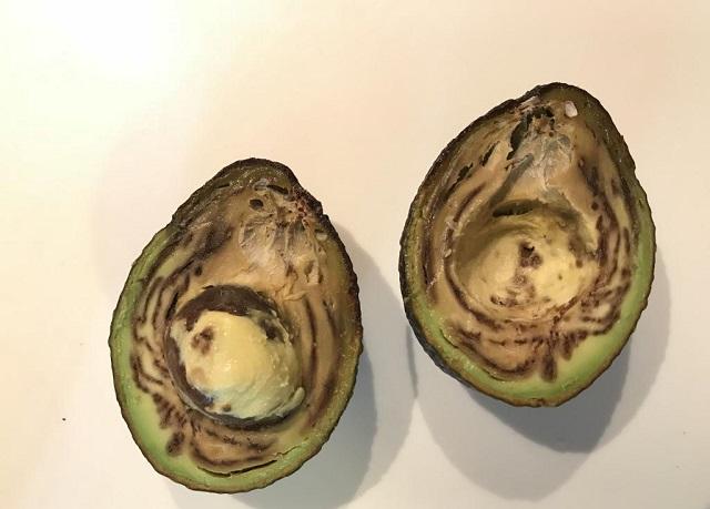 Авокадо перезрел