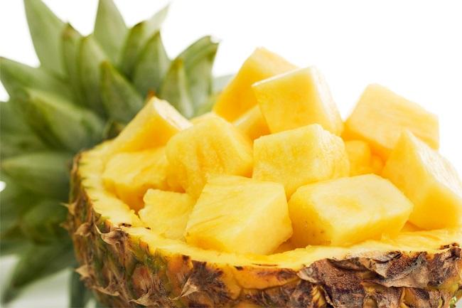 как чистить ананас 7