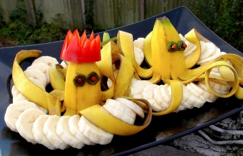 Как красиво нарезать банан на стол в домашних условиях