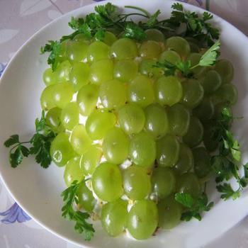 Салат с виноградом - вкусные, простые, пошаговые рецепты к празднику